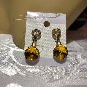 Jewelry - Champagne topaz& Austrian crystal 9k gold earrings